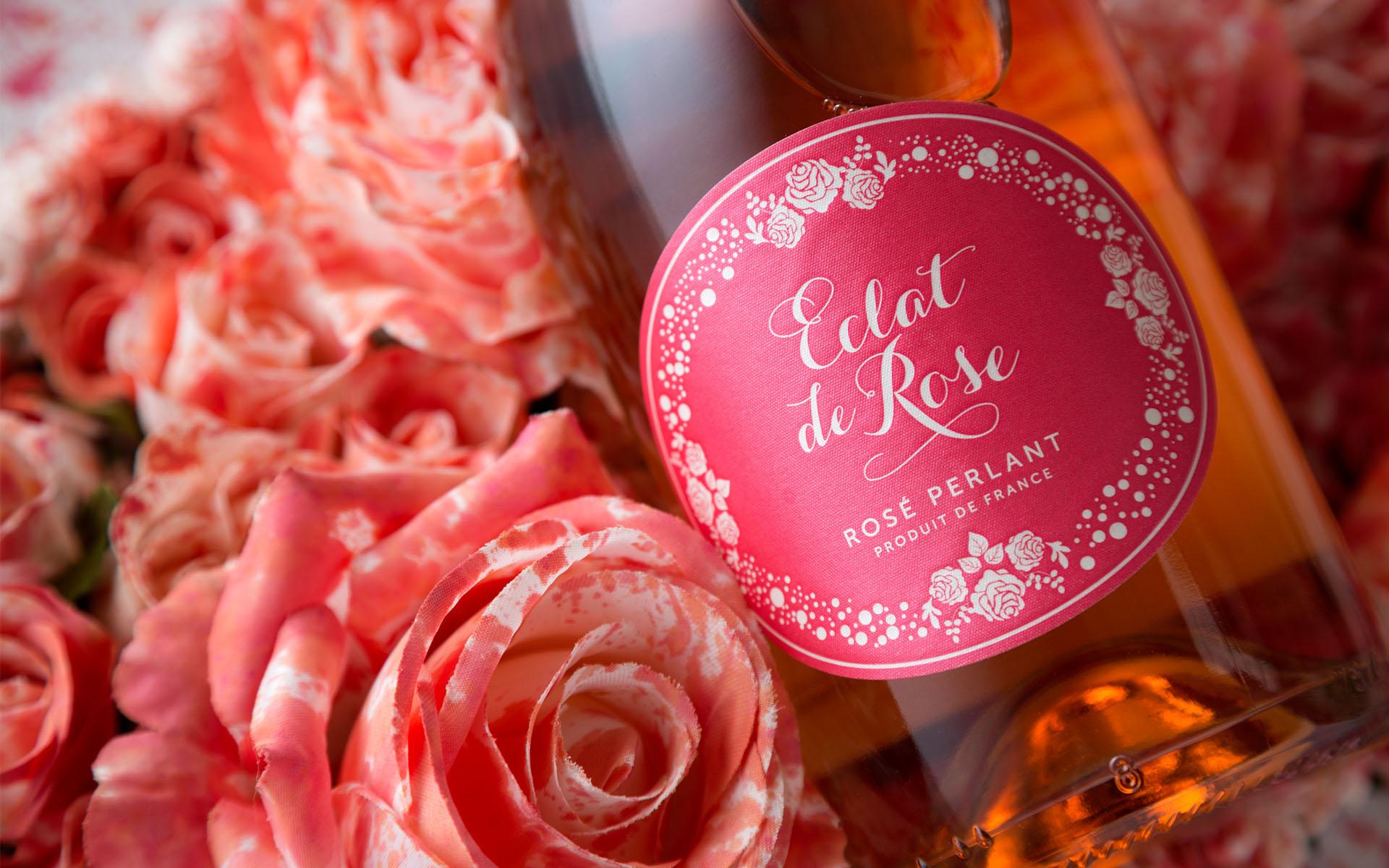 Numa pausa refrescante, num encontro entre amigos ou simplesmente como aperitivo... Eclat de Rose é a escolha perfeita para momentos de convívio!