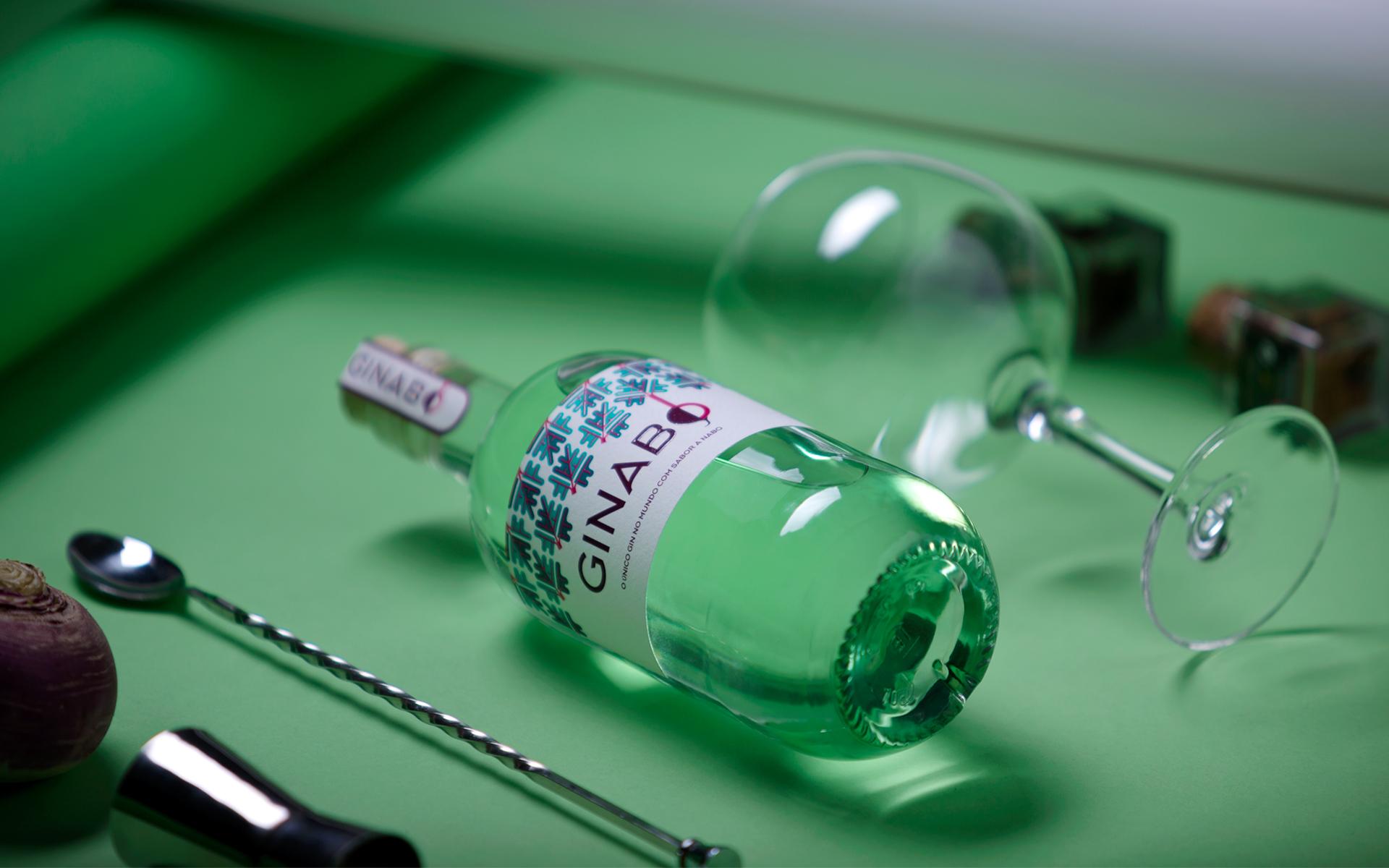 <p>O único gin do mundo com sabor a nabo</p>